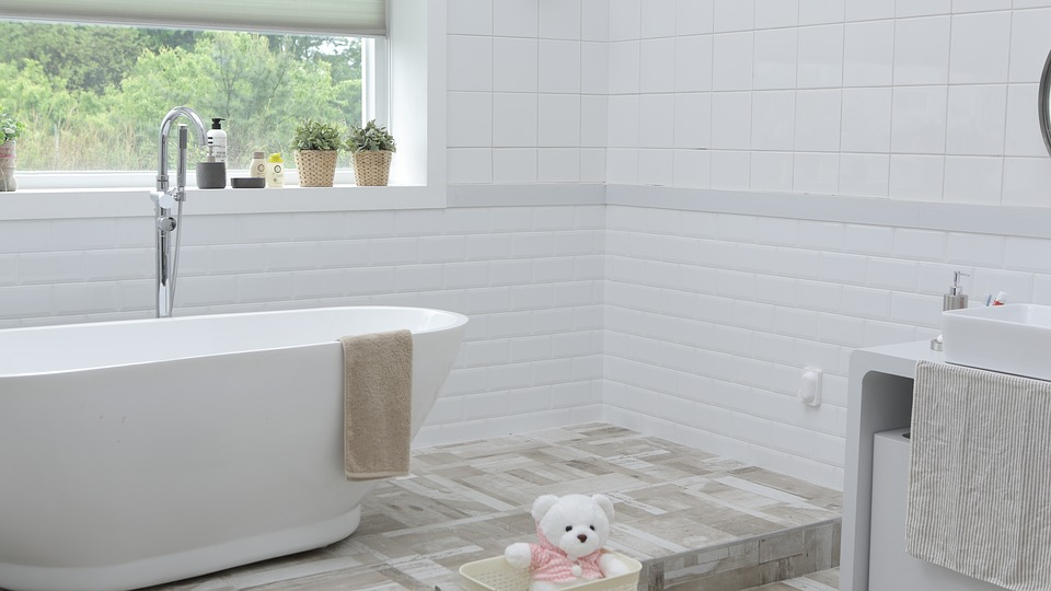 Jak zatočit s vlhkostí v koupelně?