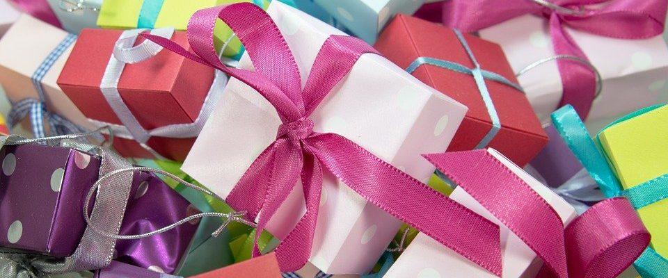Blíží se narozeniny nebo Vánoce? Víme, čím blízkého obdarovat