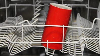 Co všechno můžete umývat v myčce? Už dávno to není jen o nádobí