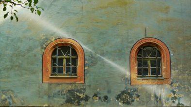 Na co si dát pozor při natírání fasády