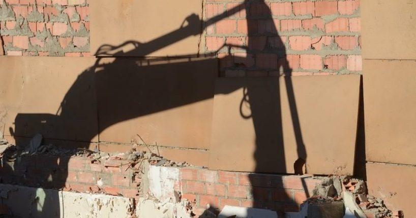 Ceny likvidace nemovitosti. Na kolik vyjde demolice domu?
